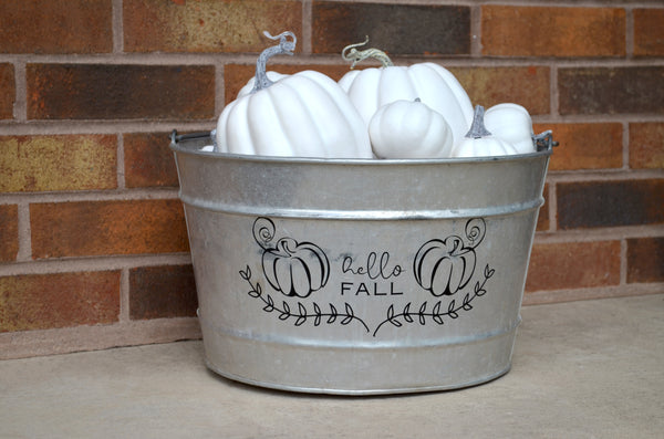 DIY Outdoor Fall Decor with Cricut Vinyl