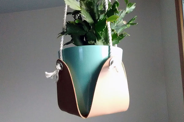 DIY LEATHER HANGING PLANTER DIE CUT USING CRICUT LEATHER
