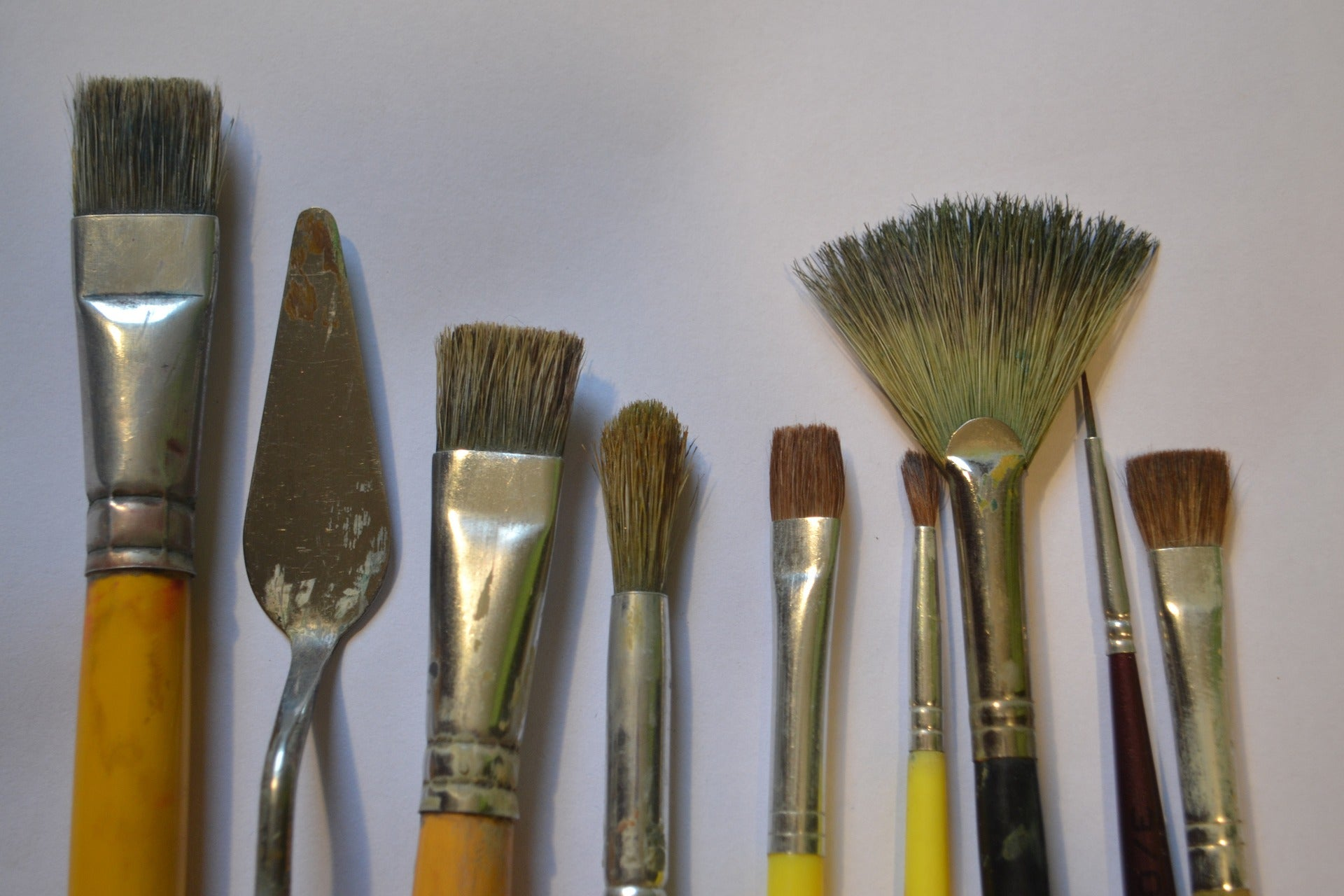 brushes and painting knives
