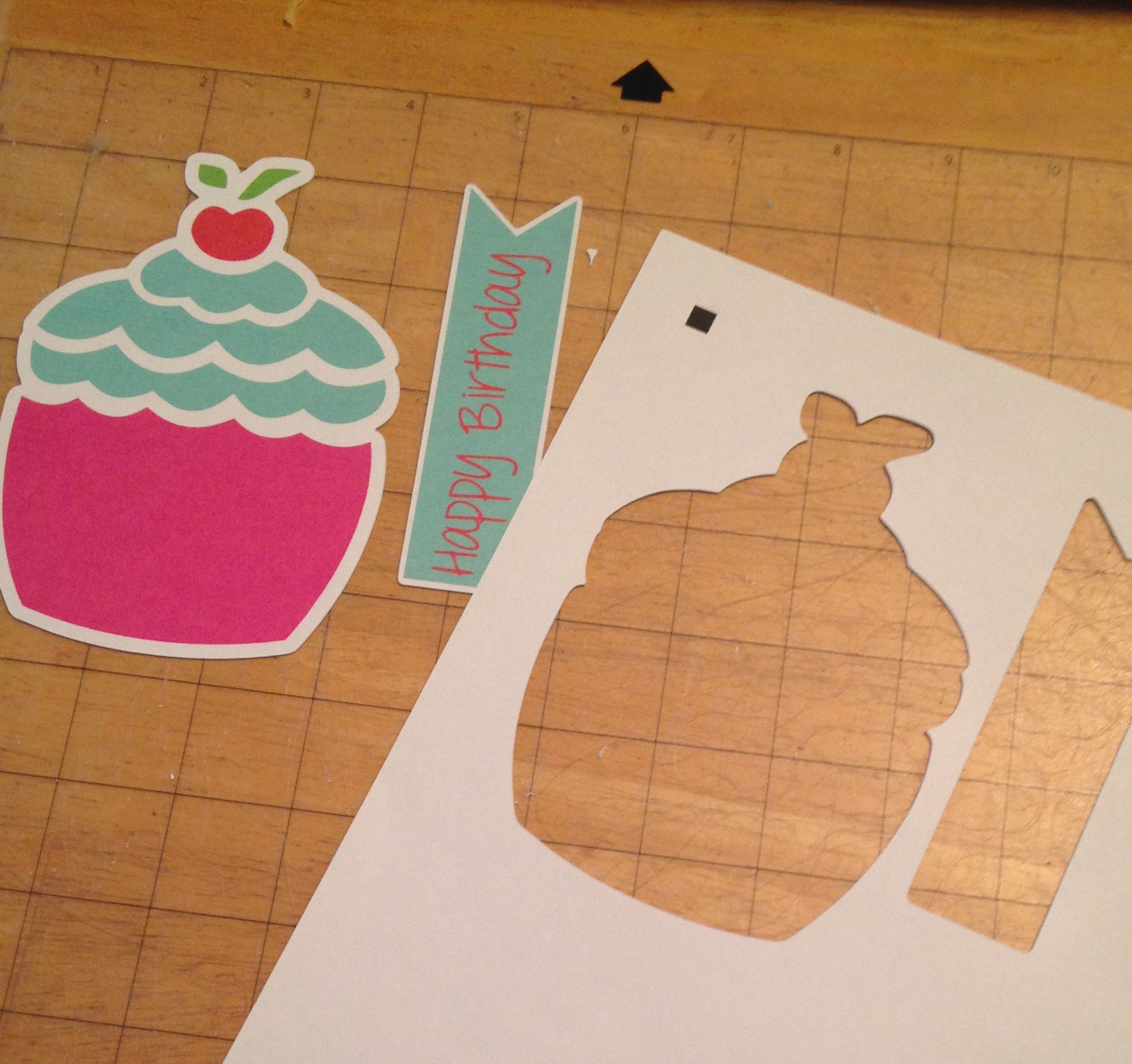 The Silhouette is so handy!  Check out these perfectly cut embellishments I can put together to make a quick and easy card!