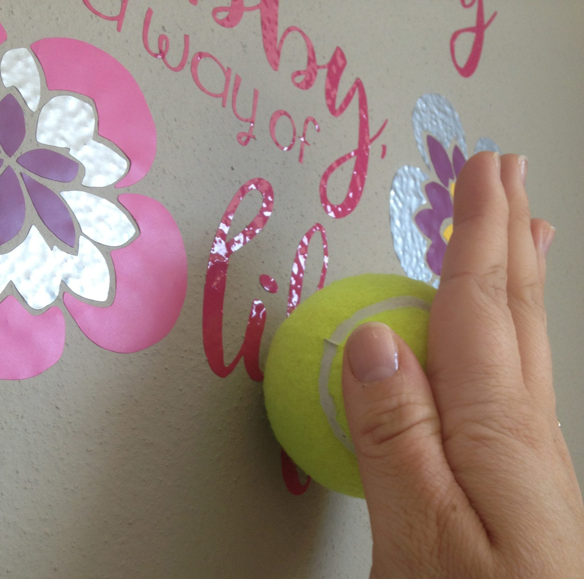 Use a tennis ball to apply vinyl to a textured surface. #vinylhack