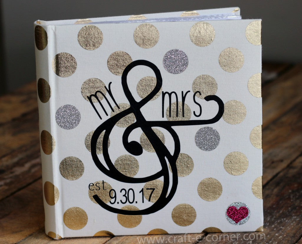 How to customize wedding gifts with heat transfer vinyl and your Silhouette Cameo machine.