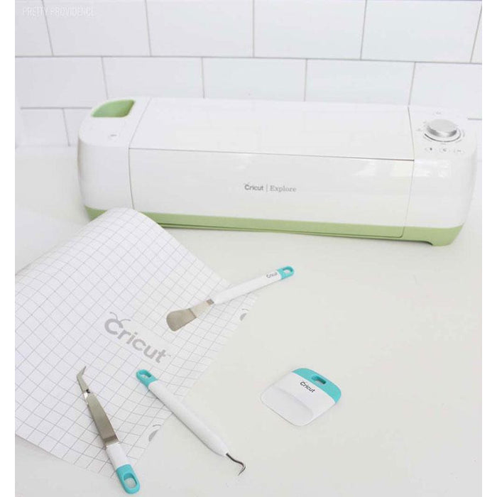 Cricut XL Scraper, Vinyl Transfer Tape, Vinyl Designs and Beginner Guide Bundle - craft-e-corner.com