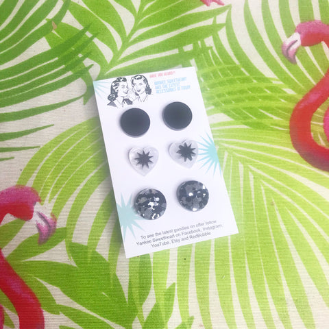 Black and white starburst stud Trio