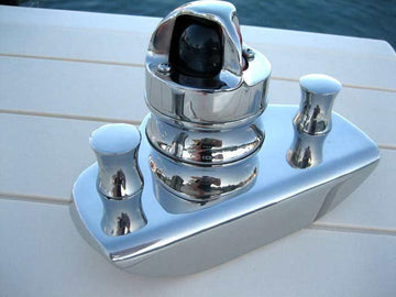 BOSTON WHALER CLASSIC BOW LIGHT (1958-1984), NAVIGATION LIGHT WITH CHOCK (LED) 316 STAINLESS *NOT PERKO*