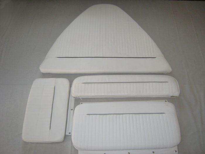 BOSTON WHALER DAUNTLESS 15' COMPLETE CUSHION SET WITH STERN JUMP SEAT/BACKRESTS (BRIGHT WHITE)