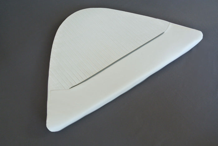 BOSTON WHALER 160 VENTURA and 14' & 16' DAUNTLESS BOW CUSHION (BRIGHT WHITE)