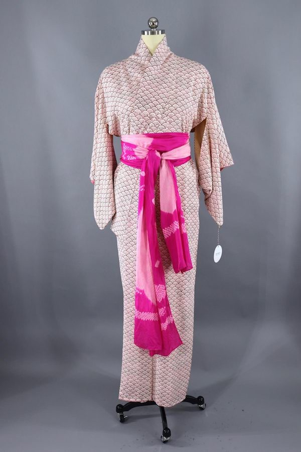 vintage silk kimono robe with silk obiage sash from thisbluebird.com