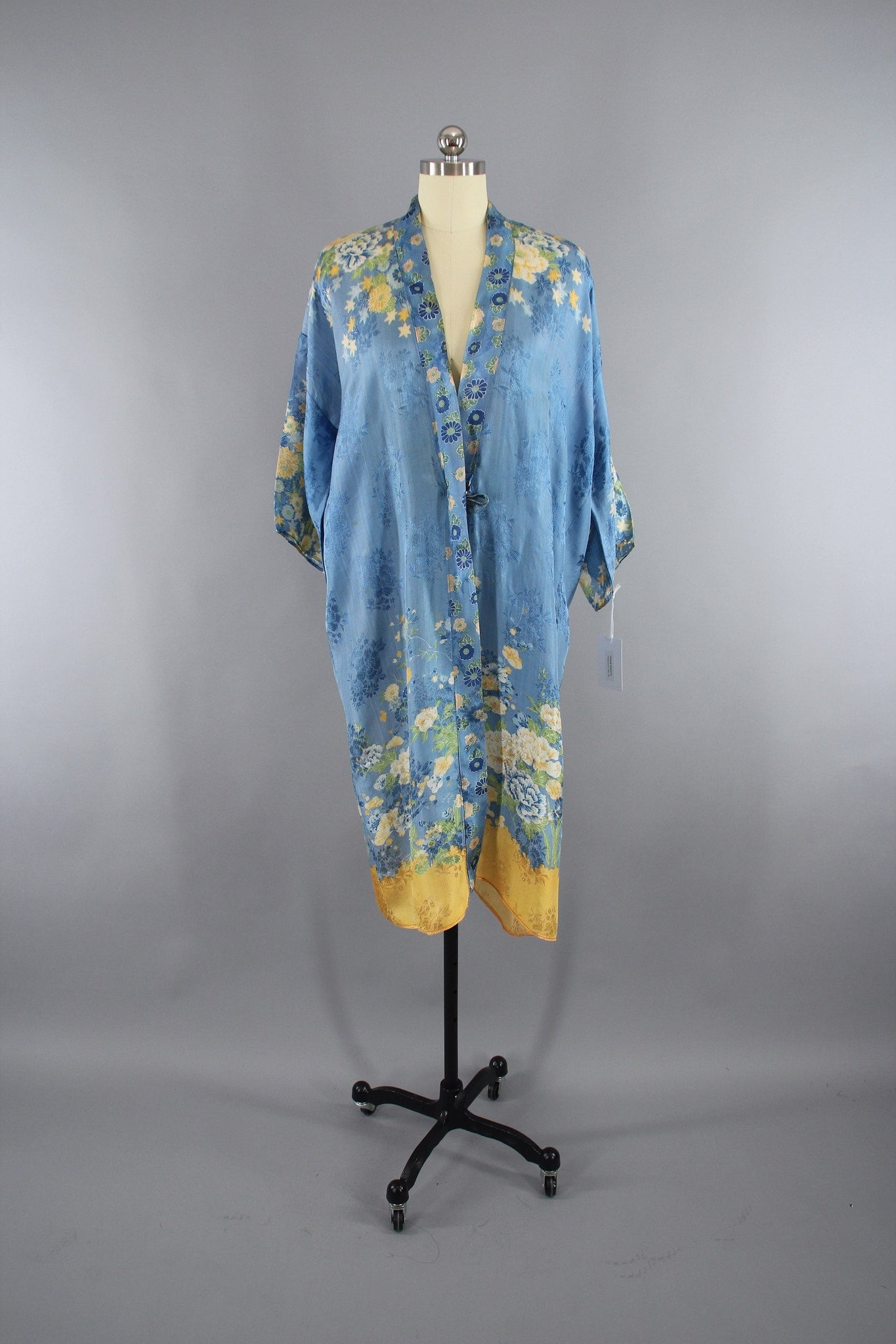 1920s - 1930s Vintage Silk Kimono Robe / Art Deco Flapper / Sky Blue and Yellow Floral Print Lingerie ThisBlueBird