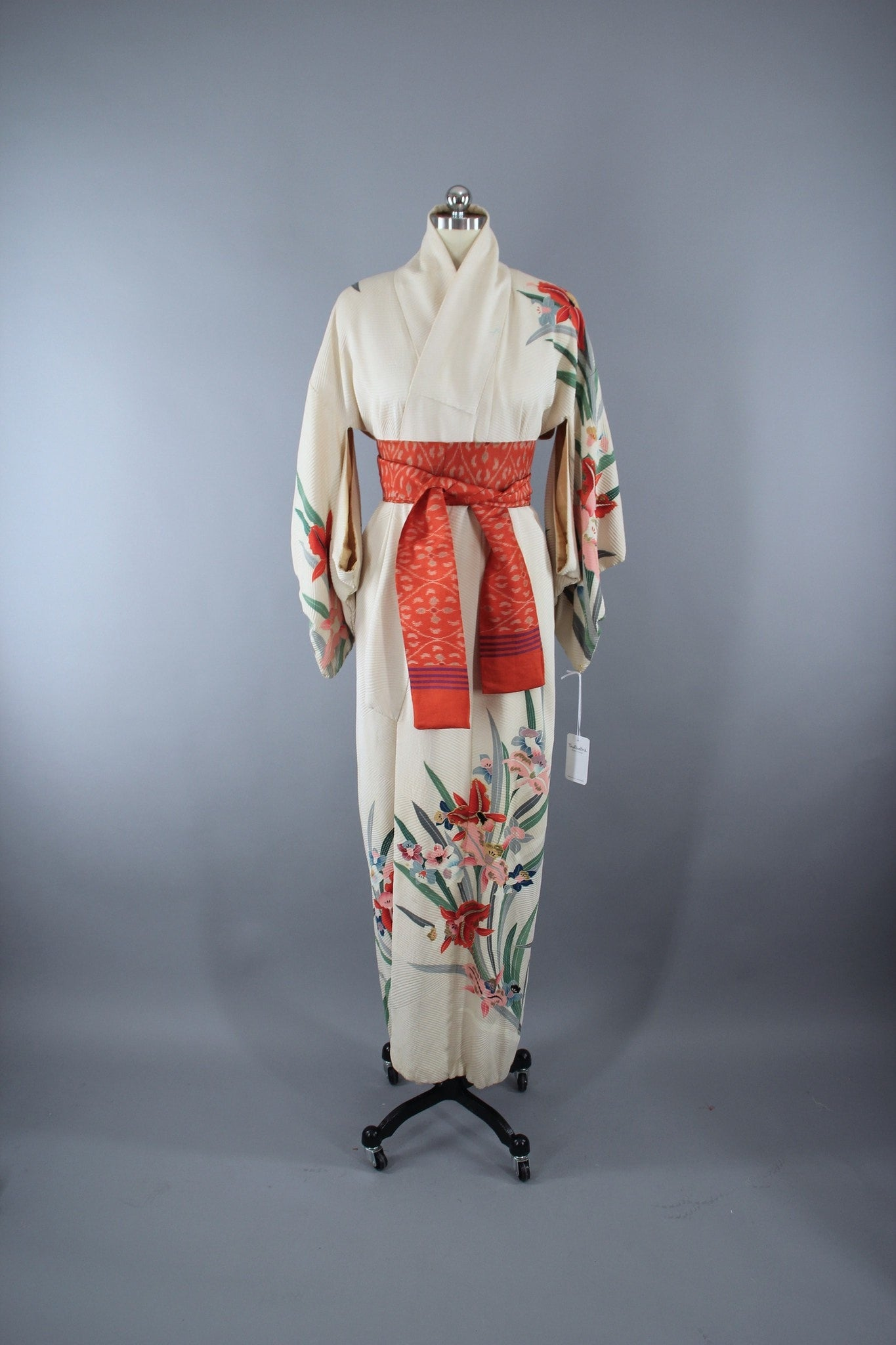 1940s Vintage Silk Kimono Robe in Ivory with Pink Catalaya Orchids Floral Print Kimono ThisBlueBird