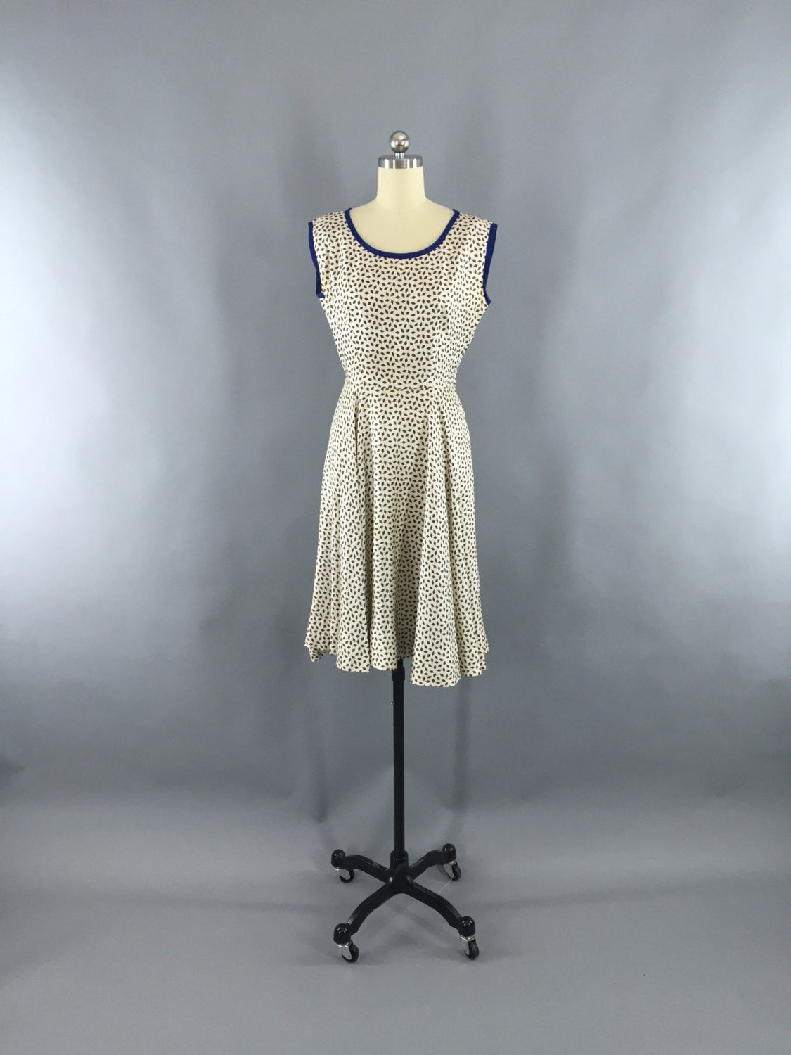 1950s Vintage Ivory Novelty Print Dress Dress ThisBlueBird - Sale