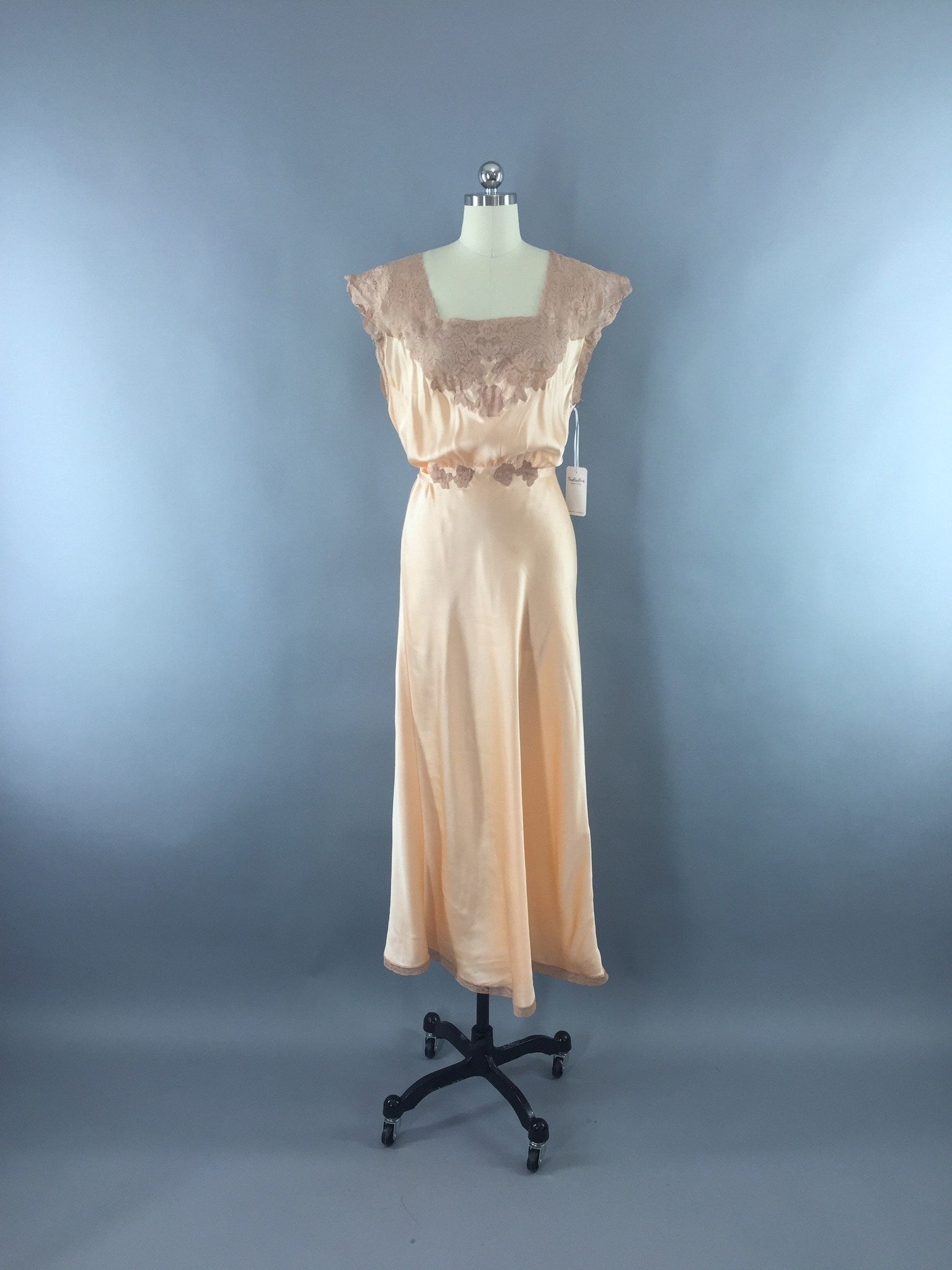 Vintage 1930s Silk Nightgown / Bias Cut Satin Lingerie ThisBlueBird