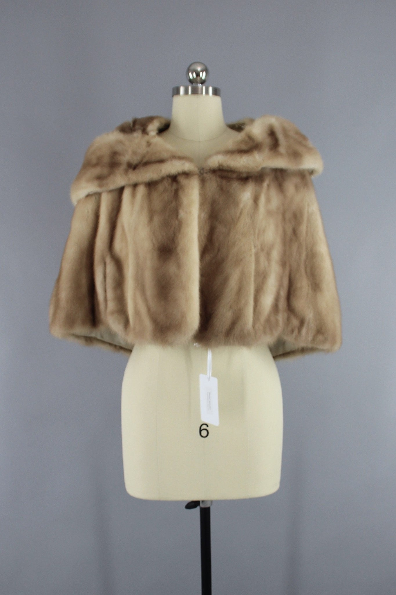 Vintage 1940s - 1950s Light Tan Fur Cape Stole Outerwear ThisBlueBird