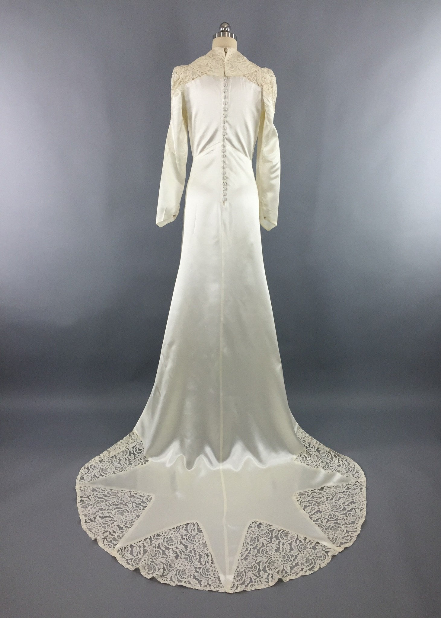 Vintage 1940s wedding dress satin star ivory satin for Ivory lace wedding dresses vintage