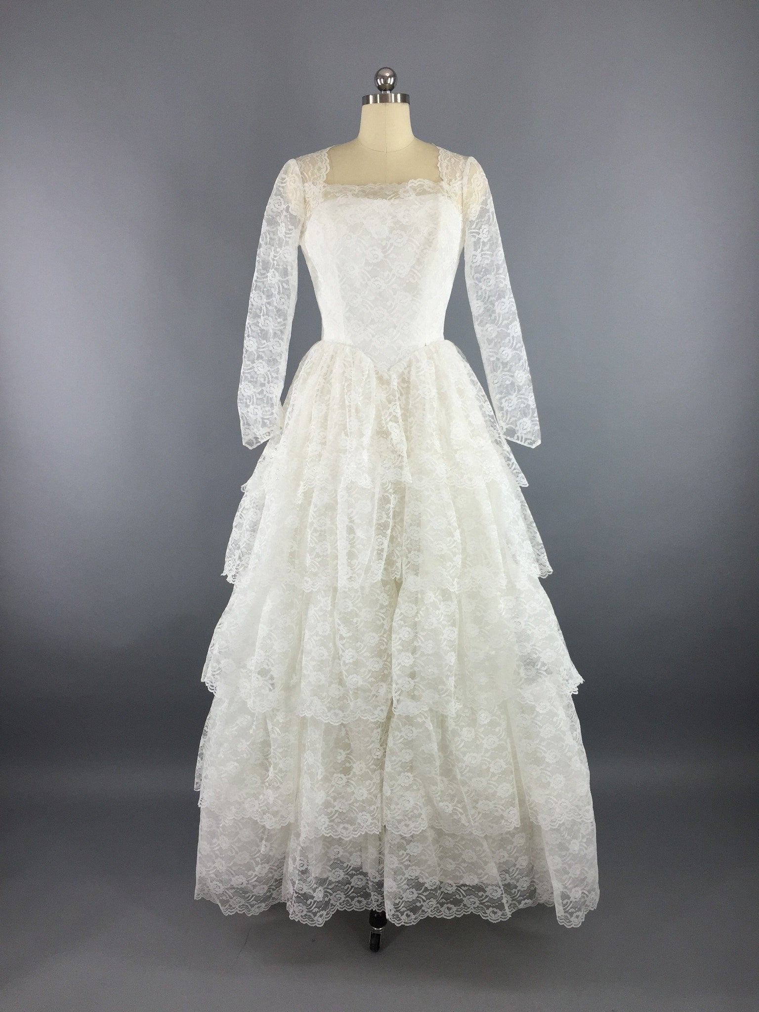 Vintage 1950s Wedding Dress / Tiered Lace Bridal Gown - ThisBlueBird ...