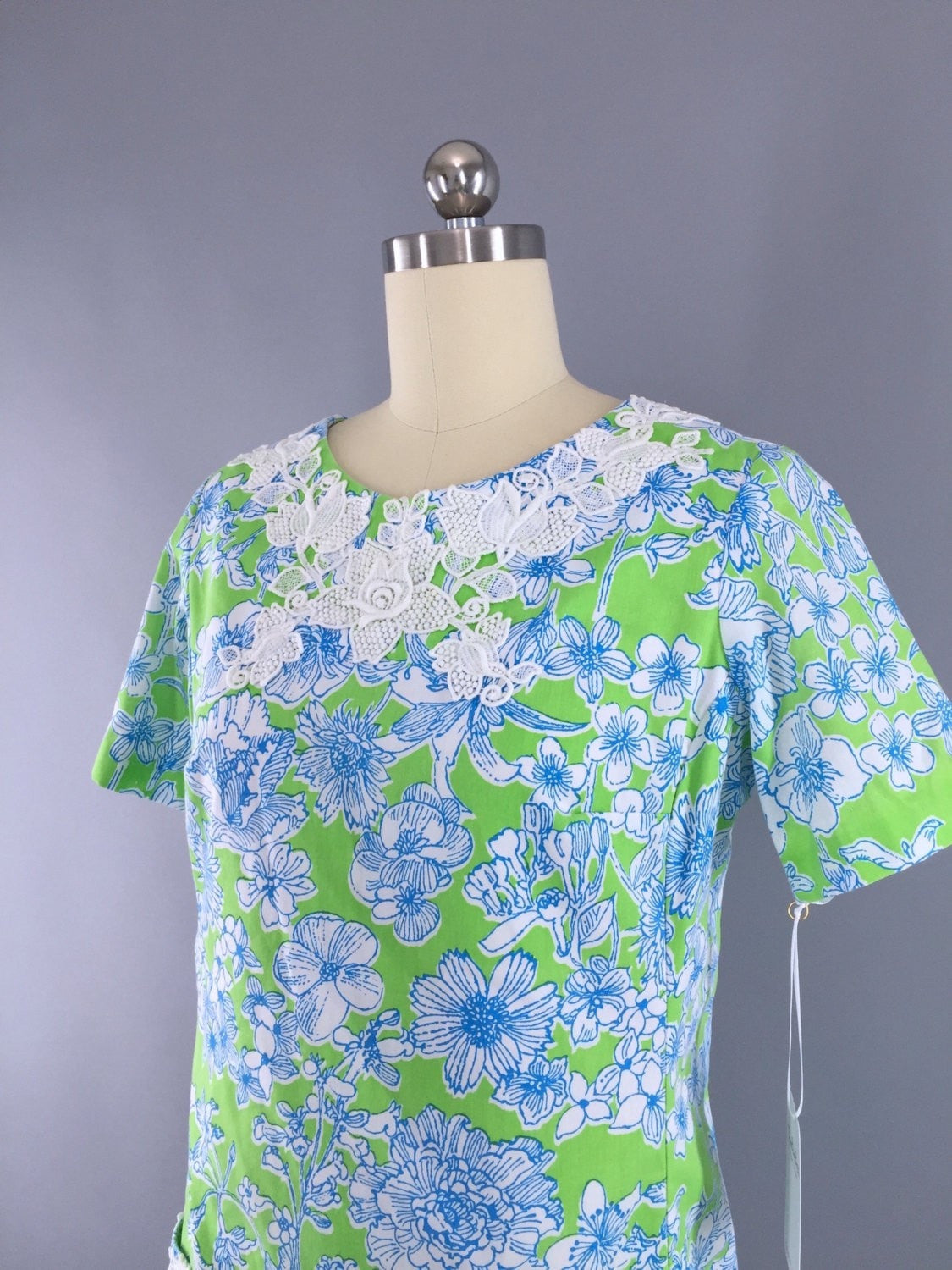 5e168987eb1d14 Vintage 1960s Lilly Pulitzer Dress / Preppy Green and Blue Floral Print
