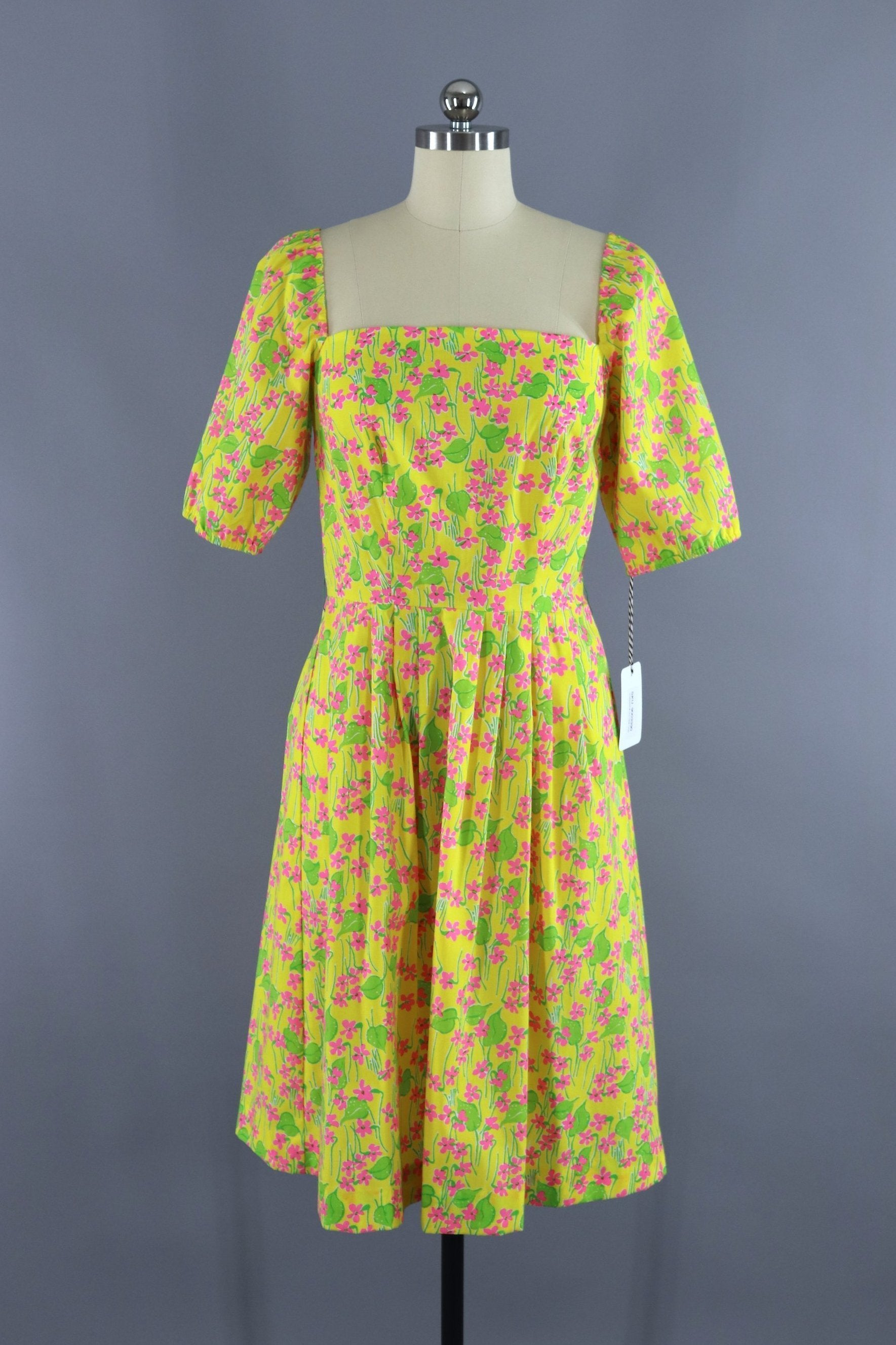1960s Dress  Lilly Pulitzer Red /& Black Embroidery Fitted Dress  Women\u2019s XSS
