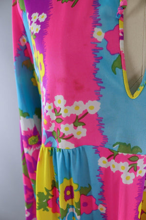 Vintage 1960s Mod Floral Print Nightgown - ThisBlueBird