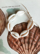 Load image into Gallery viewer, Cowrie Bracelet