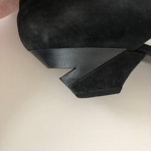 Vintage Black Suede High Heels Shoes/ Made in Italy/ Sizze 39