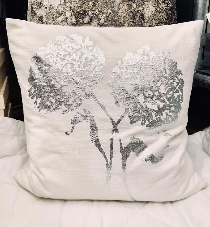 DAY Pillow White/Silver