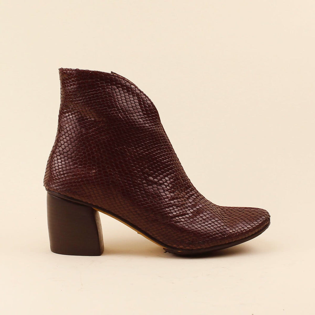 Ankle boot in serpente scollo a
