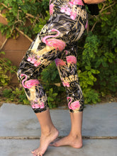 Load image into Gallery viewer, Victory Flamingos Womens Leggings