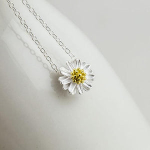 | Daisy Flower Necklace |