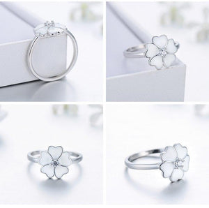 | White Primrose Enamel Ring |