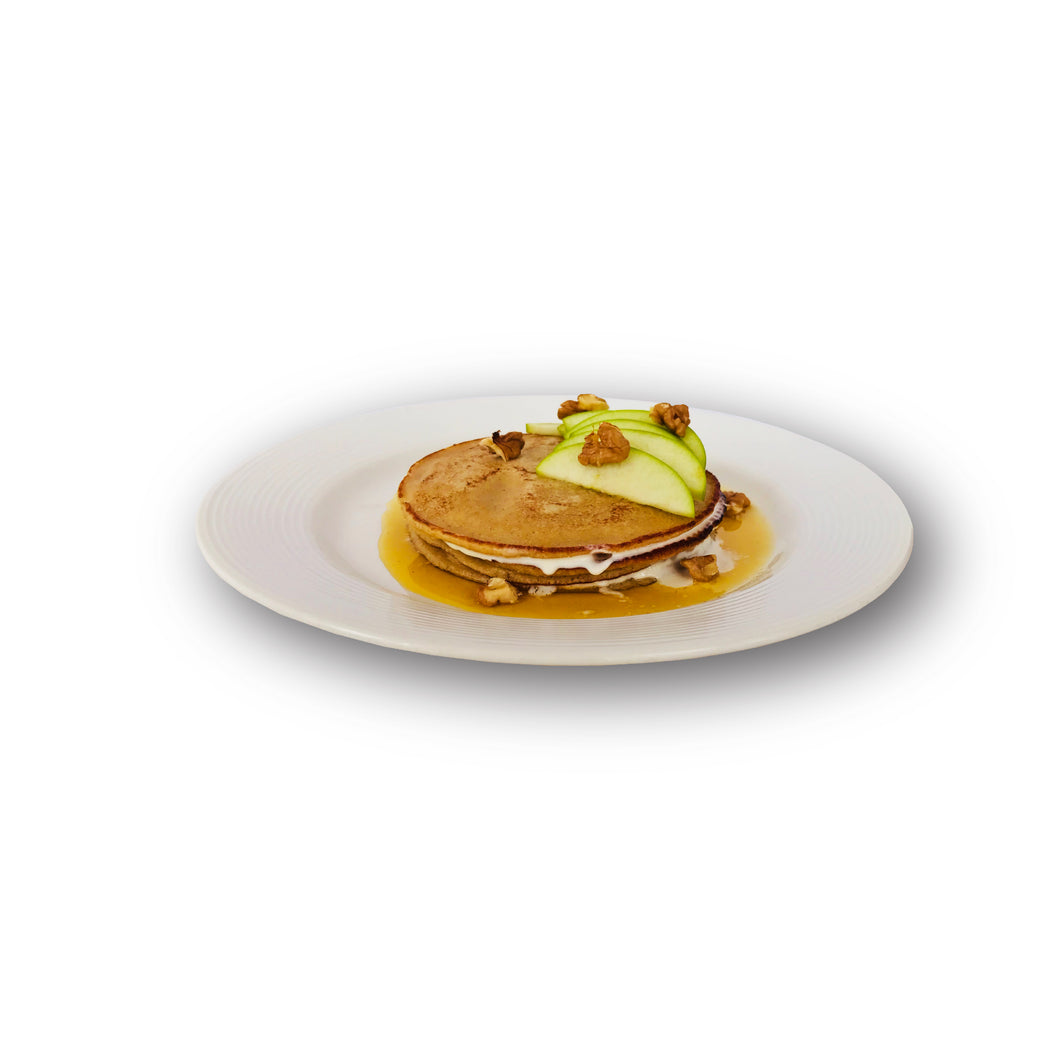 INDEPENDENCE  DAY  PANCAKES  WITH  ORANGE  SYRUP,  CHANTILLY  CREAM  AND  GREEN  APPLES