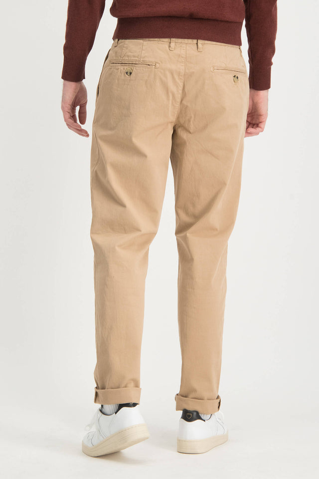 garment dyed regular fit geplooide chino