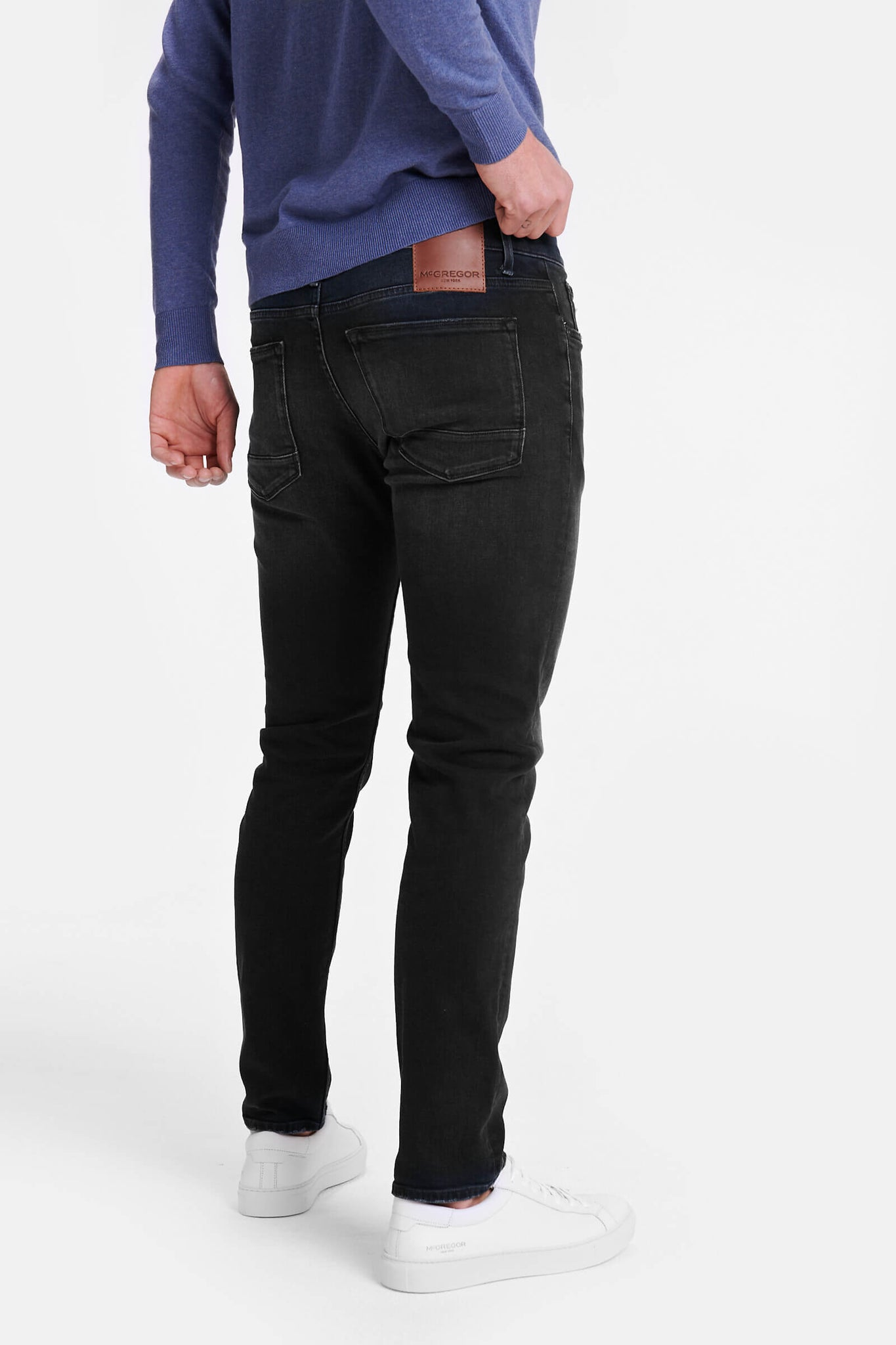 Slim fit jeans in donker blauwe wassing