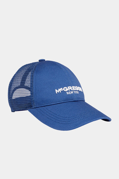 McG Trucker pet met logo