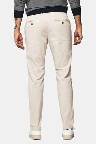 Garment dyed slim fit chino