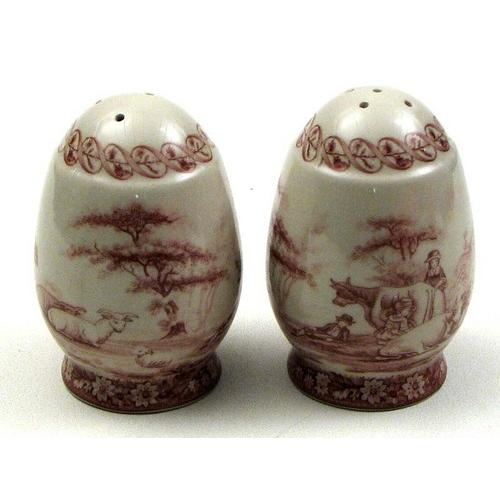 Red Glass Salt & Pepper set