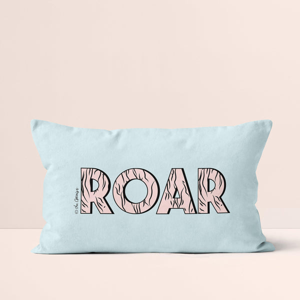 Throw Pillow / ROAR