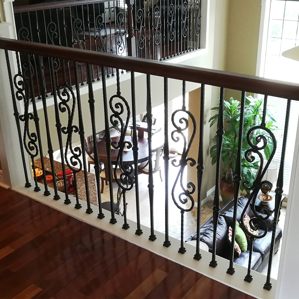 Gothic Single Knuckle Iron Baluster