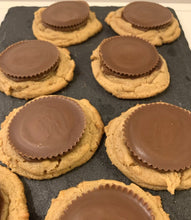 Load image into Gallery viewer, Peanut Butter Cup Cookies