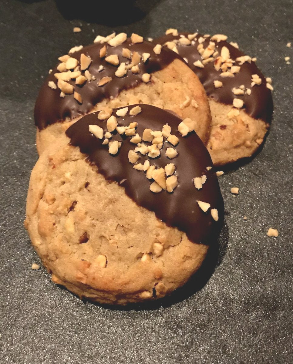 Chocolate Dipped Peanut Butter Cookies - Bouchée Douce Bakery