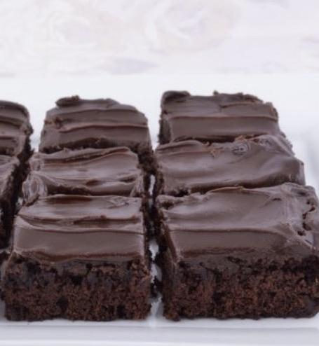 Gluten Free Chocolate Fudge Brownies - Bouchée Douce Bakery