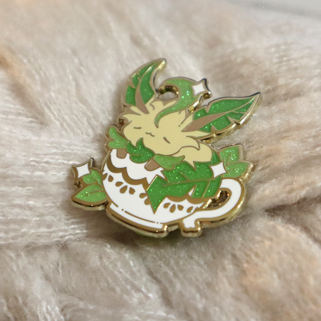 Teacup Leafeon Pin