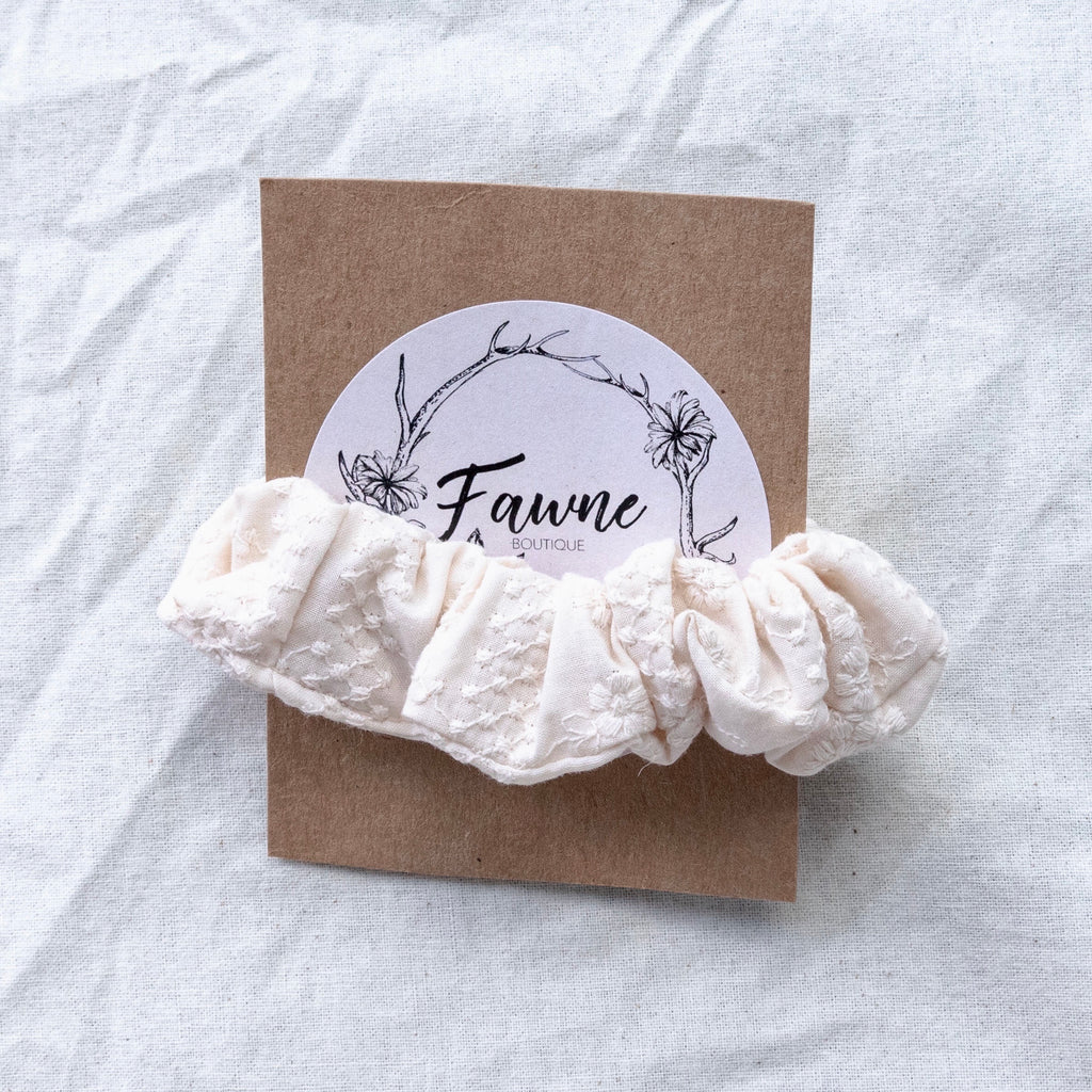 Scrunchie - Embroidered Floral Cream
