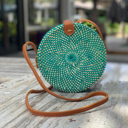 Tenganan Bag: Round lattice bag with leather straps Green