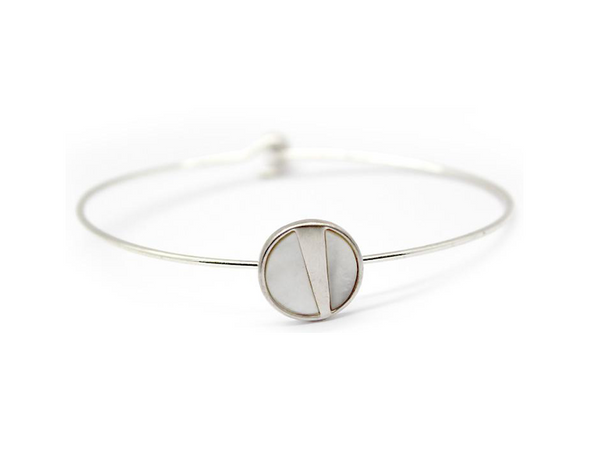 Lark Wire Bracelet - Mother of Pearl (Silver)