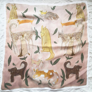 Viscose shawl - Dogs and plants