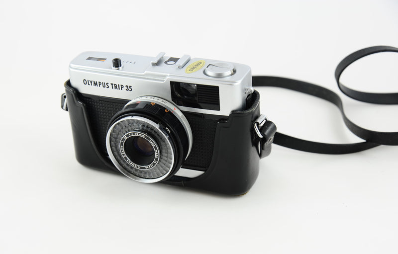 Original Olympus Trip 35 hard leather case - Very Good Condition