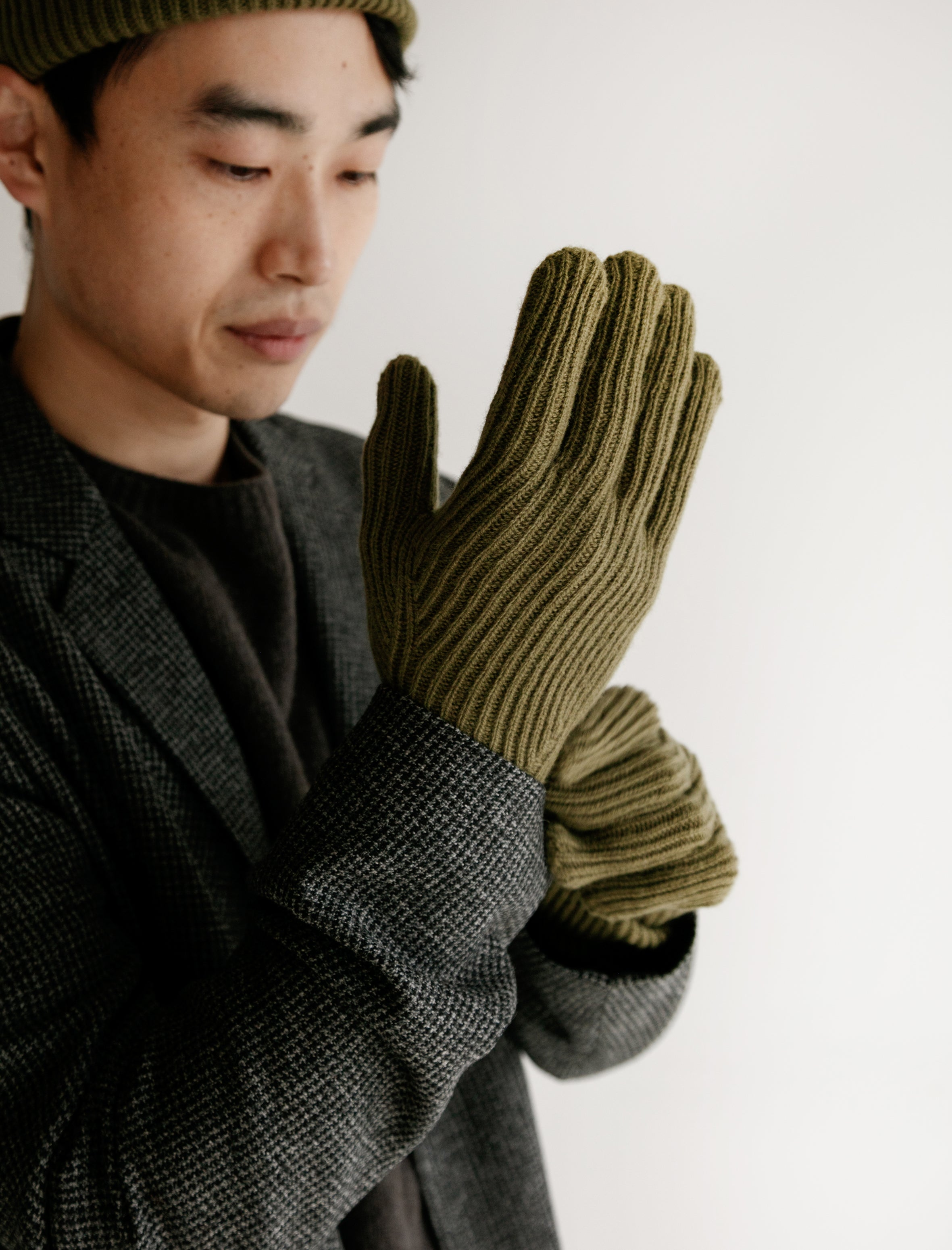 Margaret Howell Fine Rib Cashmere Gloves Olive Leaf