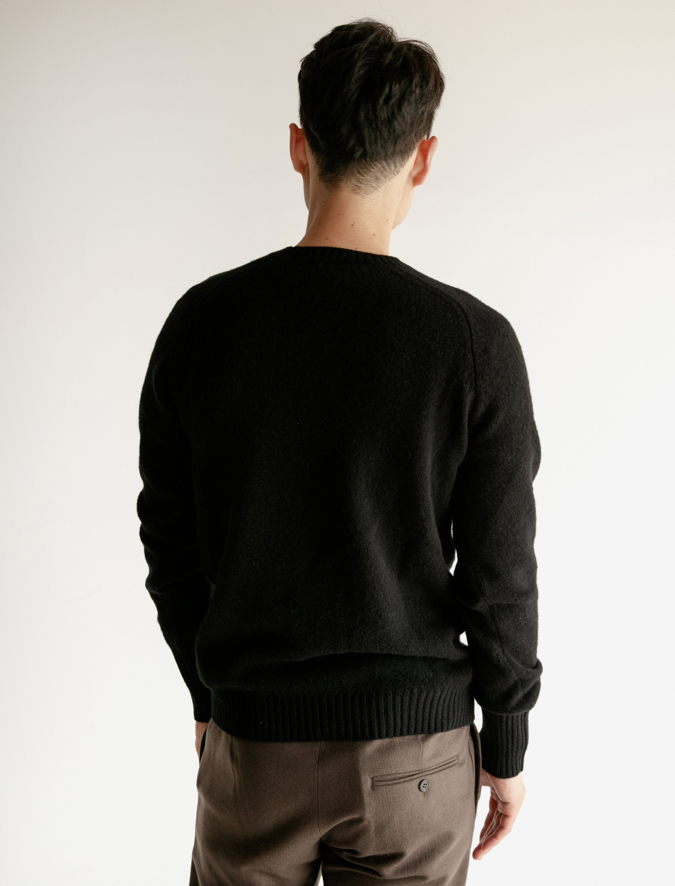 Classic Shetland Sweater with Maxi Cuffs Black