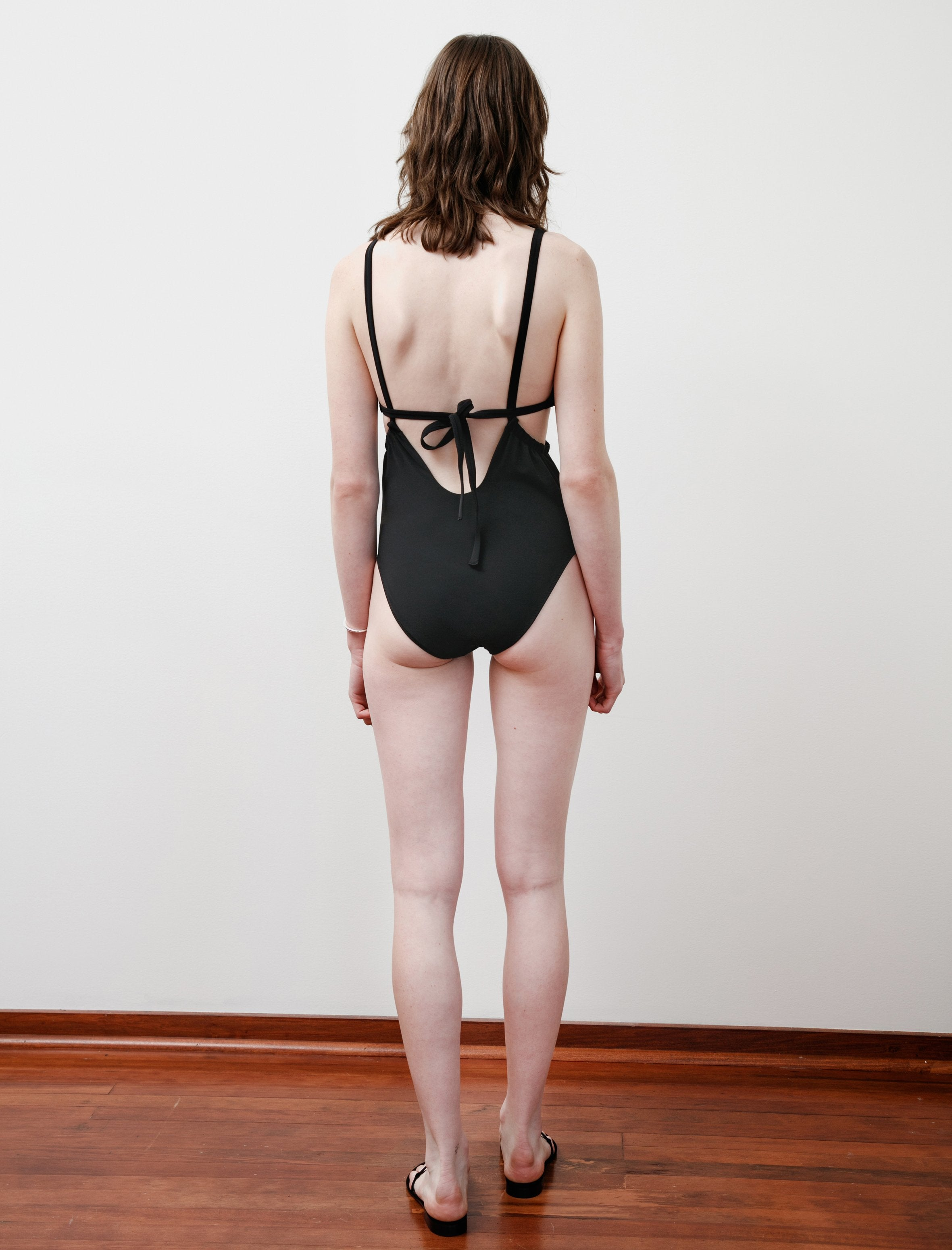 Araks Yui One PIece Black