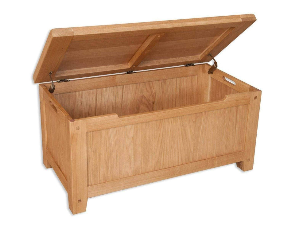 New Havana Oak Blanket Box
